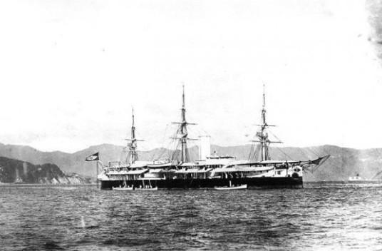 O Encouraçado Aquidabã, um dos mais poderosos navios de guerra do Brasil, rebelado.