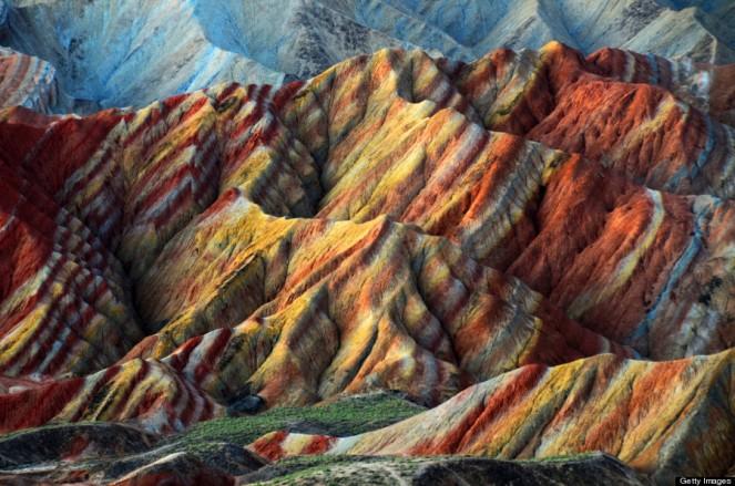 Rainbown Mountains 02