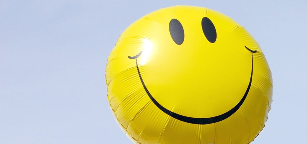 smiley-face-balloon-1728x810_28625