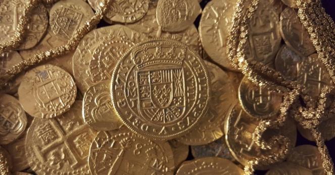 27jul2015---moedas-e-correntes-de-ouro-encontrados-nos-destrocos-de-uma-frota-espanhola-que-afundou-em-1717-no-oceano-atlantico-na-costa-da-florida-eua-sao-expostos-em-foto-divulgada-pela-1715-fleet-1438047654430