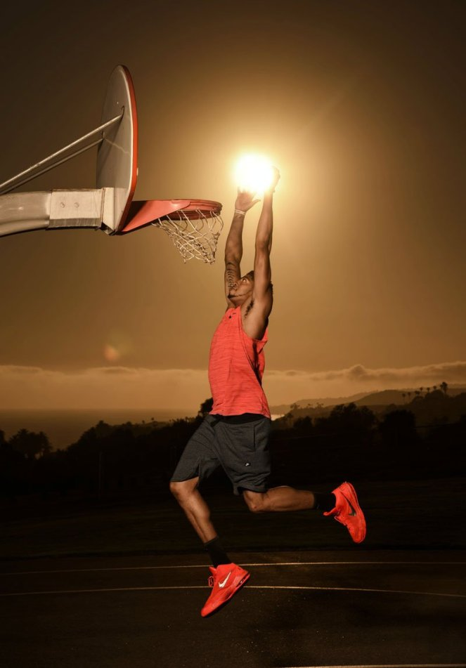anthony-davis-dunks-the-sun-dustin-snipes-red-bull-content-pool-3